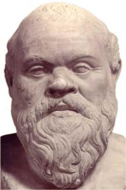 Освен очевадната си прилика с Антъни Хопкинс, Сократ се доказал и по бойните полета на Пелопонеската война, защитавайки с дела силата, която демонстрирал в своите речи.